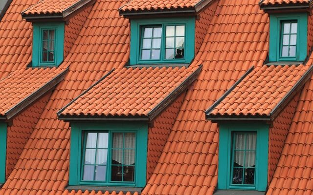 How to safely and effectively inspect your own roof